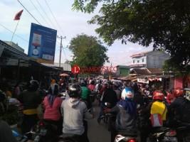 Pasar Tempel Way Kandis Jadi Biang Kemacetan di Jalan Ratu Dibalau