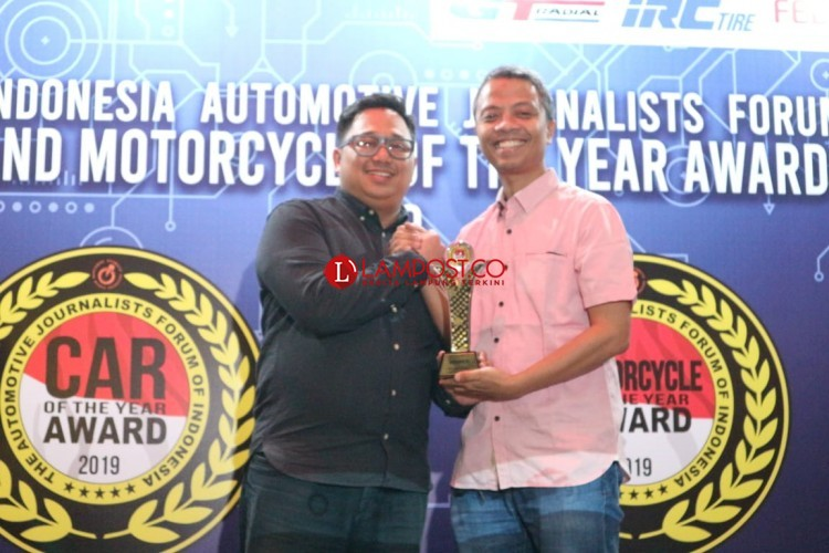 Wuling Almaz Raih Penghargaan Forwot Car of the Year 2019