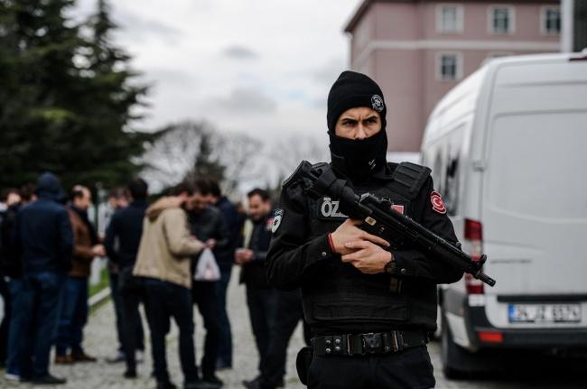 LAMPUNG POST | Polisi Turki Bunuh Dua Terduga ISIS