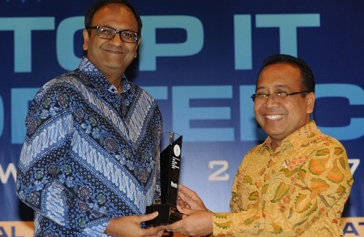 LAMPUNG POST | Tata Motors Raih Penghargaan TOP IT Implementation dan Leadership