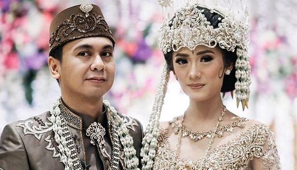 Akhiri Masa Lajang, KomedianRaditya Dika Menikah