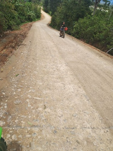 Baru Selesai Dibangun Jalan Sukabumi-Suoh Sudah Rusak Lagi