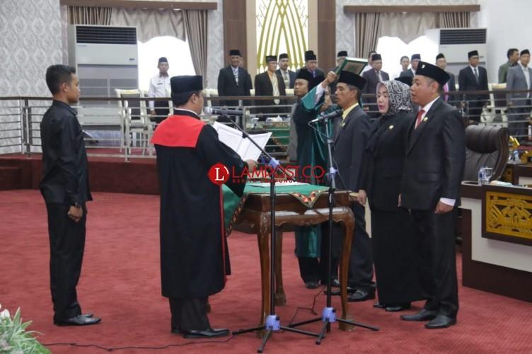 Pimpinan DPRD Pringsewu Resmi Dilantik